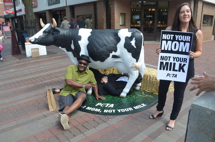 Onett Johnson posing with PETA activist Audrey Shricliff - SASHA GOLDSTEIN