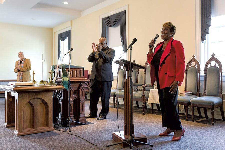 Deaconess Margaret Burgess leads worship - OLIVER PARINI