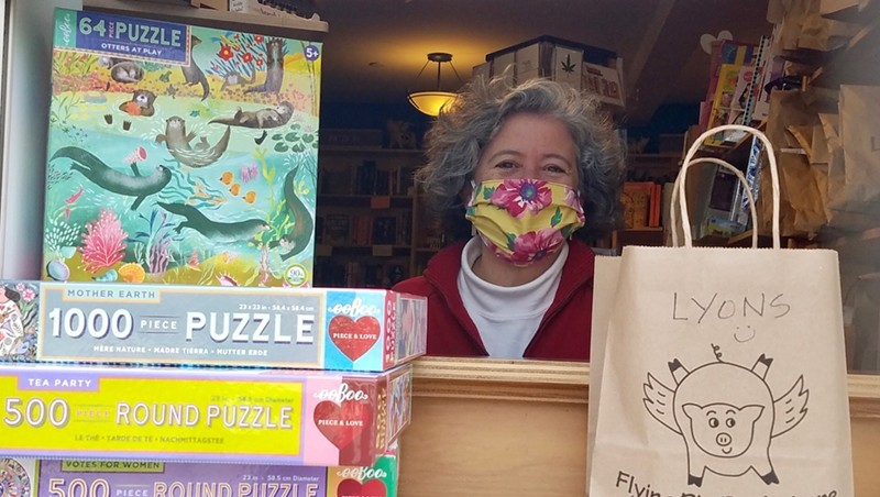 Elizabeth Bluemle at the Flying Pig Bookstore window