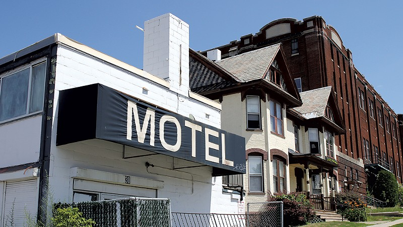 Burlington Zoning Rules Delay Plans to Demolish Downtown Motel