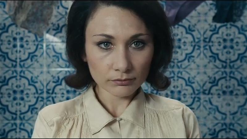 Chiara D'Anna as Evelyn