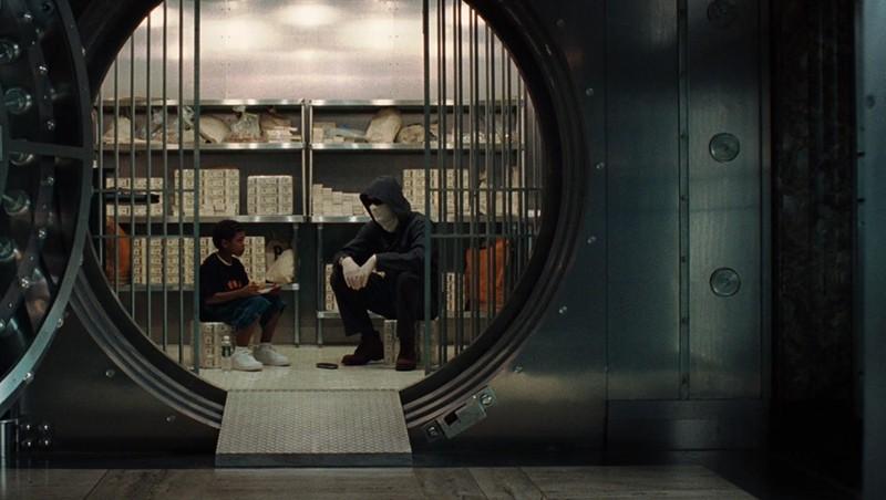 A man inside the vault in Inside Man