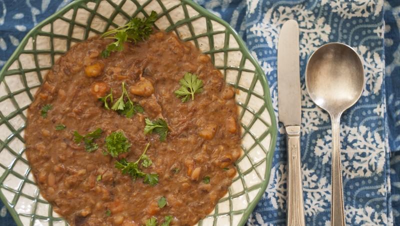 Ham hock-navy bean soup