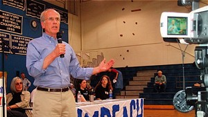 U.S. Rep. Peter Welch addresses supporters of impeaching President George W. Bush at a May 2007 meeting at Hartford High School.