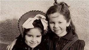 Henia Wisgardisky (right) with her cousin, Bluma Berk