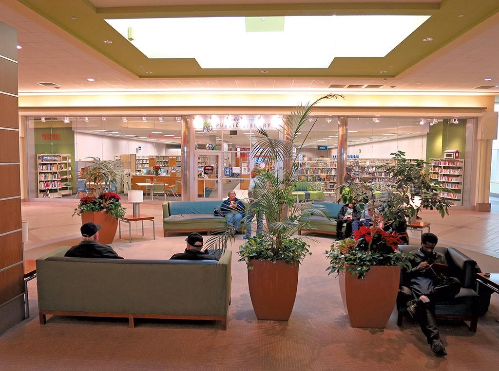 Mallsoleum Vermont S Largest Retail Complex Faces An