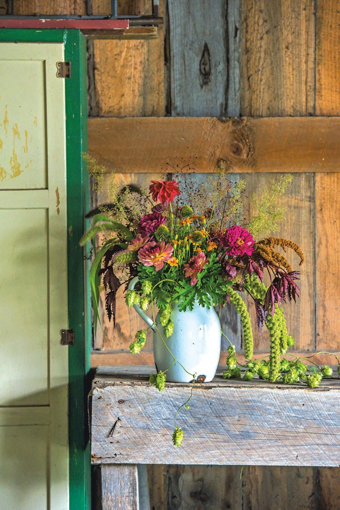 Fall For Floral How To Make An Autumnal Bouquet Housewares
