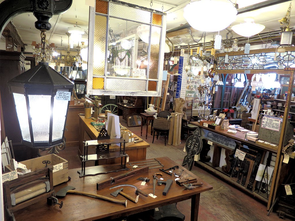 Mason Brothers Salvage Puts the Past to New Use | DIY Home