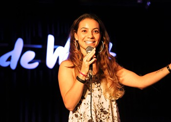 Comedian Liz Miele Talks Therapy, Performing for the Troops and Rom-Com Pet Peeves