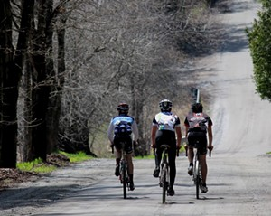 muddy_onion_spring_classic_gravel_ride-calendar-spotlight-ravin.jpg