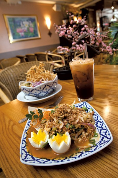 Yam hua blii (banana blossom salad) - MATTHEW THORSEN