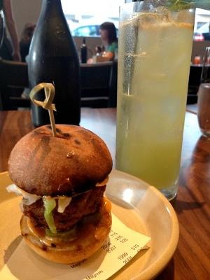 1760_burger.jpg