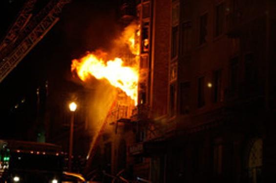 824 Hyde in flames - TENDERBLOG