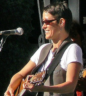 Michelle Shocked is not gay - SIGMUND/WIKIPEDIA