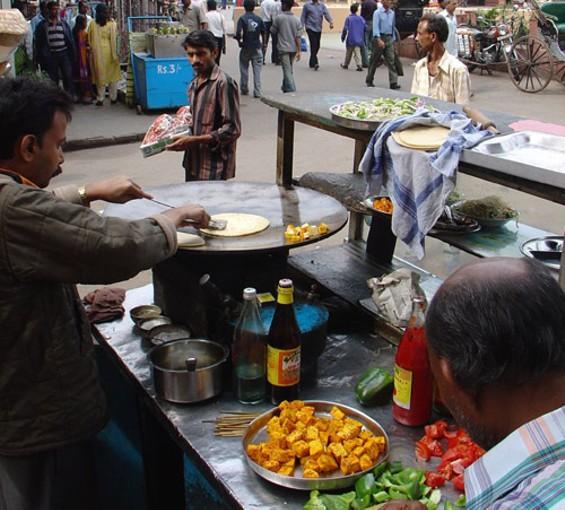 A kati-roll vendor in Kolkota. - AMANDERSON2/FLICKR