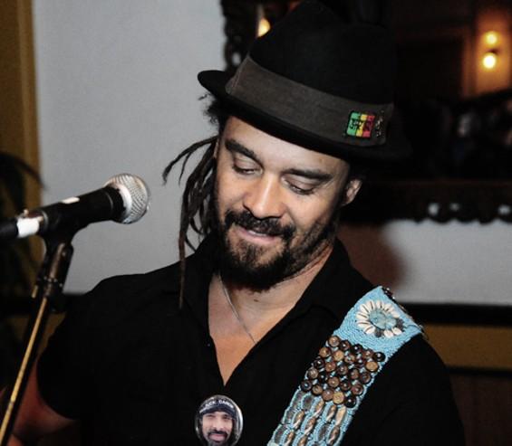 Acoustic Yogi: Michael Franti - EKAPHOTOGRAPHY