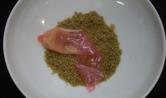 """Alvin Leung Jr.'s """"Sex on the Beach,"""" which resembles a discarded condom, is 100 percent edible. - LIFESTYLEASIA.COM"""