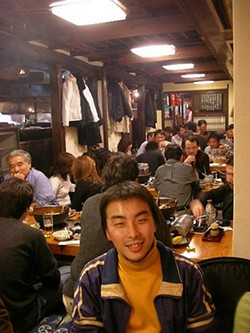 An izakaya in Tokyo. - JETALONE/FLICKR