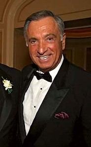 Art Agnos certainly can dress the part if chosen to be mayor...