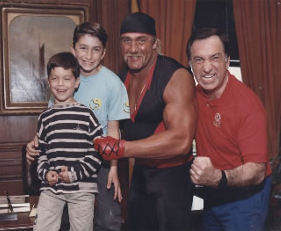 Art Agnos denies he's been lining up votes to be interrim mayor -- but he can't deny posing for a muscle shot with Hulk Hogan - ARTAGNOS.COM