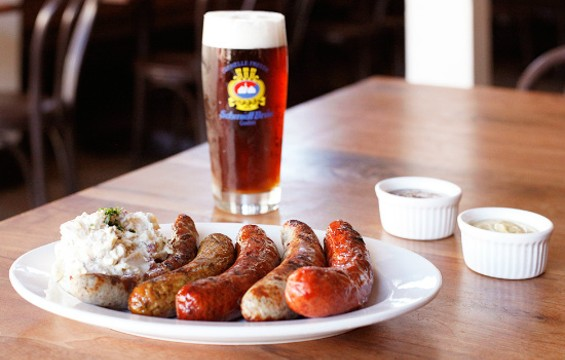 Beer and sausage pairing at Schmidt's. - SCHMIDT'S