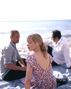 Benno Fürmann, Nina Hoss,  and Hilmi Sözer make up a power-tripping, lustful love triangle.