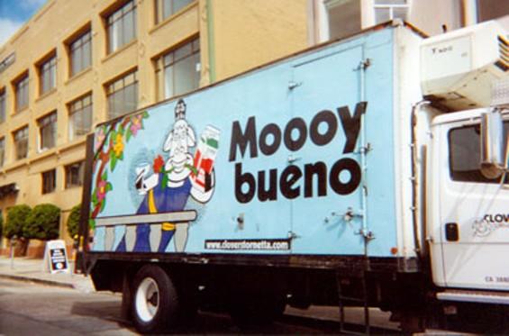 mooey_bueno2.jpg