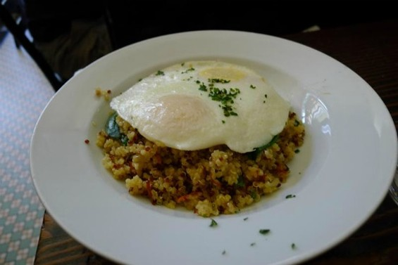 Blue Bottle 3 Africans coffee - QUINOA HASH WITH TWO EGGS, CARROTS, SPINACH AND NUTRITIONAL YEAST