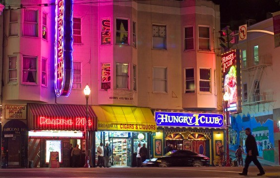 Broadway Street in San Francisco - FLICKR/SEISMIC_2000