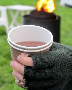 A chill proof Warm Spiked Apple Cider - LOU BUSTAMANTE