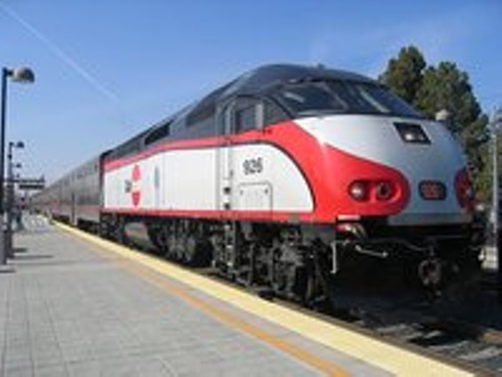 img_104534143_caltrain_926_in_mountain_view_m_thumb_200x150.jpg