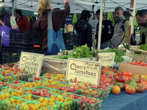 Castro Farmers Market: Back in business. - KENNEJIMA/FLICKR