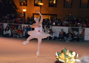 Celebrate the Holidays San Francisco-Style, Watch These Drag Queens on Ice