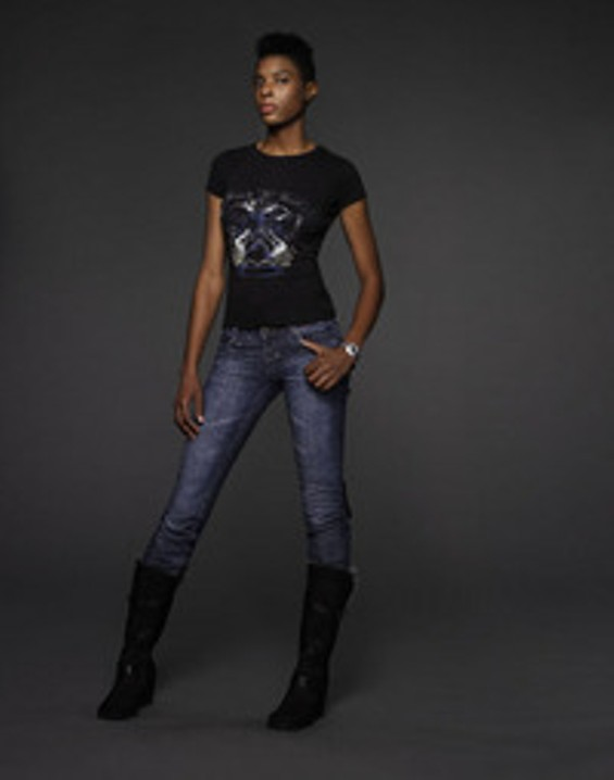 cw_antm10_marvita_container_010077_6aa966_500x636_thumb.jpg