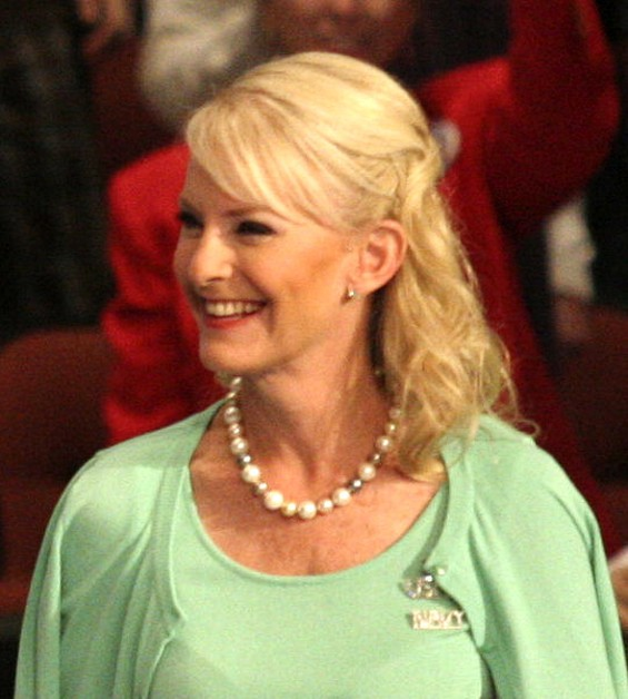 Cindy McCain says she opposes Proposition 8 -- does John know about that? - CRAIG O'NEAL