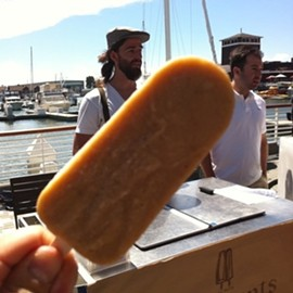 Cranky Boots' banana and burnt caramel with sea salt popsicle. Aland Welford is in the background. - TOM/FOODSPOTTING