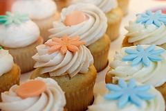 Cupcakes on a plane! - TIFFLAW/FLICKR