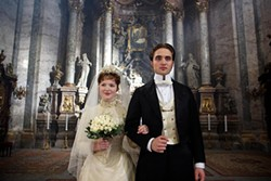 Despite all appearances, Robert Pattinson does not play a robot in Bel Ami.