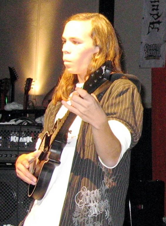 guitar_hero_josh_thumb.jpg