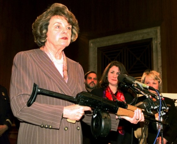 Dianne Feinstein has decided not to ruin Jerry Brown's shot at the statehouse