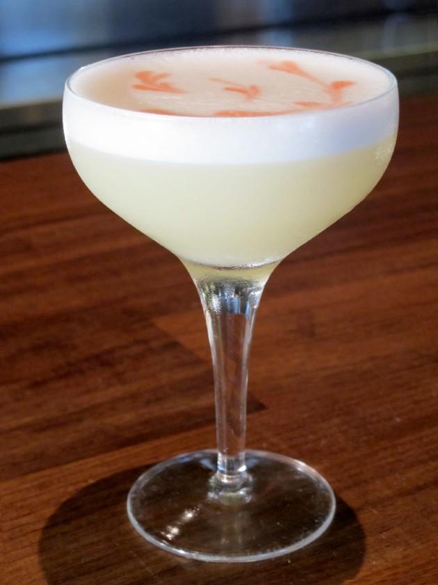 Yuzu Sour cocktail - LOU BUSTAMANTE