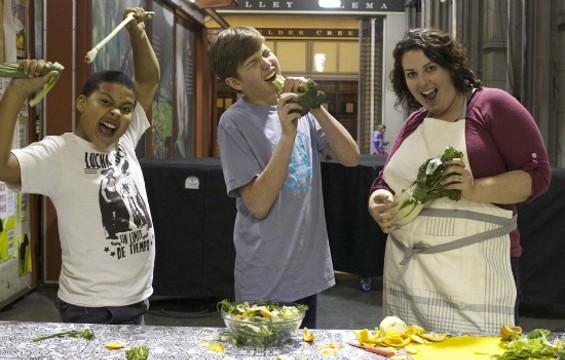 Elianna Friedman doing what she does best: Teaches kids not to fear the vegetable. - JOSH LESKAR