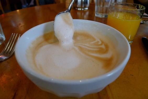 Extra-foamy latte