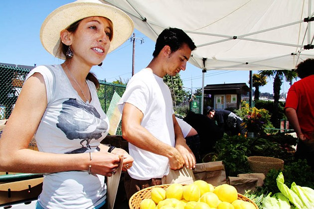 Free Farm Stand in the Mission