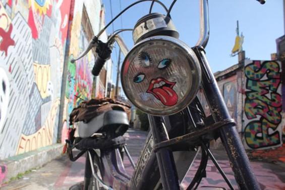 Future Twin front woman Jean Yaste's Lockits moped - MARTE SOLBAKKEN HTTP://POPPYLANDET.BLOGSPOT.COM