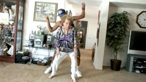 Grandma yiking.
