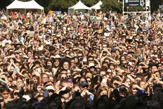 ed_sheeran_now_and_zen_festival_17.jpg