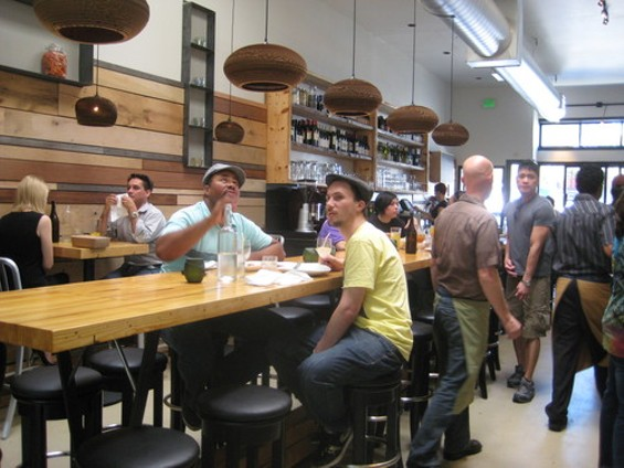 rsz_starbelly_communal_table_thumb_500x375.jpg