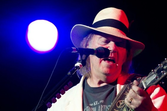 neil_young_12_1.jpg