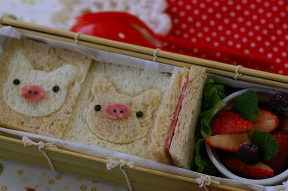 piggy_sandwich.jpg